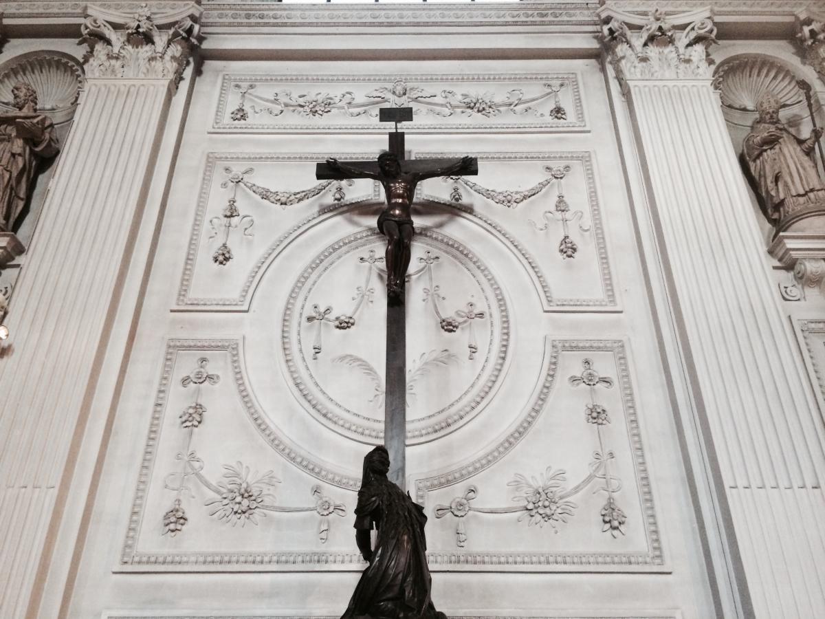 Krucyfiks - symbol męki i śmierci Pana Jezusa