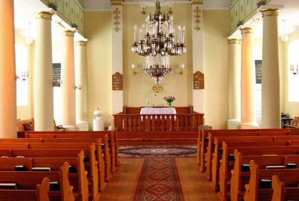 widok na Stół Pański w kościele ewangelicko-reformowanym w Zelowie