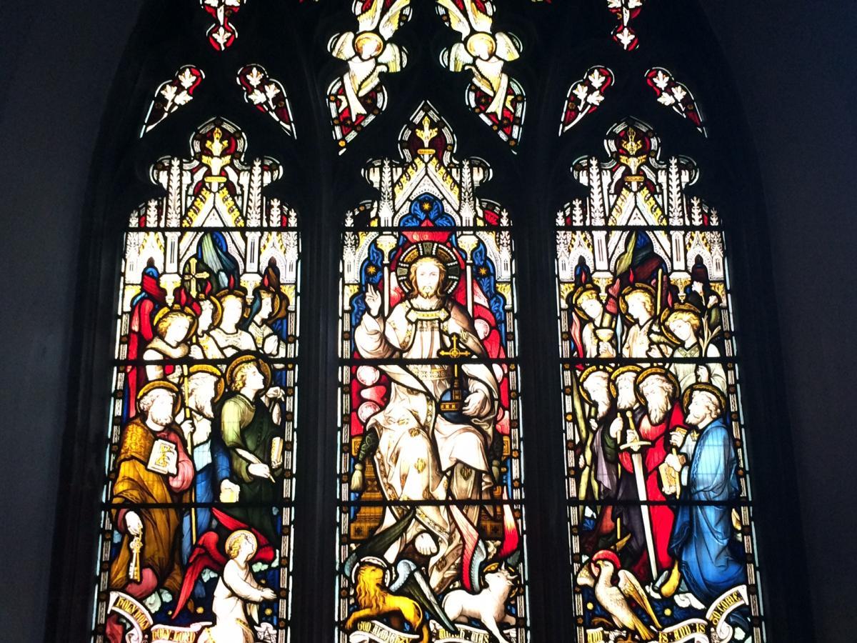 Chrystus Król - witraż z kościoła anglikańskiego St Mary the Less w Cambridge