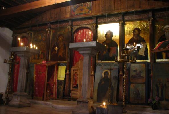 wnętrze bułgarskiej cerkwi prawosławnej