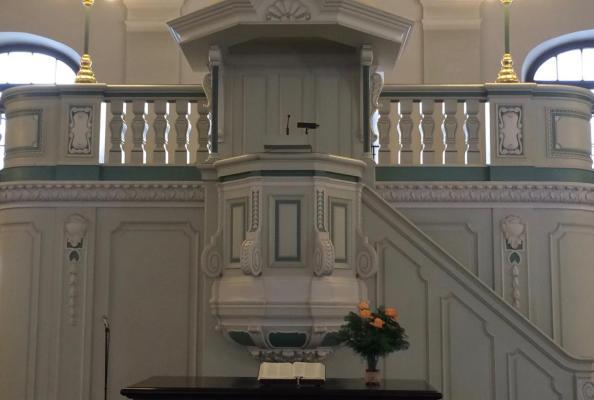 wnętrze kościoła ewangelicko-reformowanego w Berlinie (Kościół Francuski)