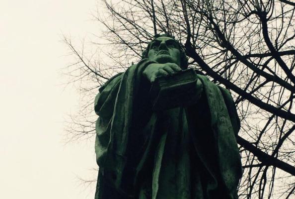 pomnik ks. Marcina Lutra w Bielsku Białej