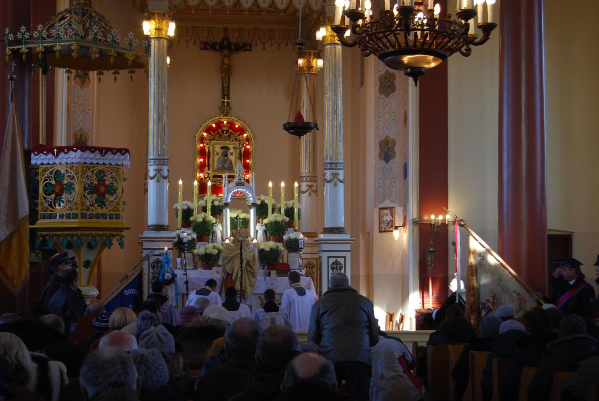 błogosławieństwo Przenajświętszym Sakramentem w Nowej Sobótce