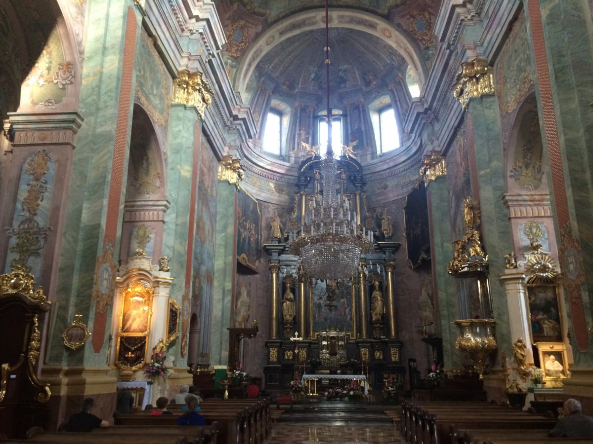 wnętrze katedry lubelskiej