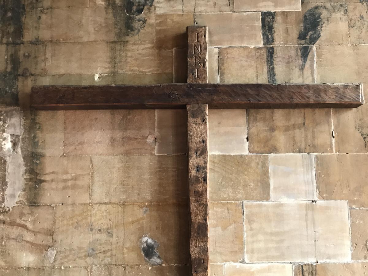 krzyż z bocznej kaplicy w anglikańskiej katedrze w Lincoln
