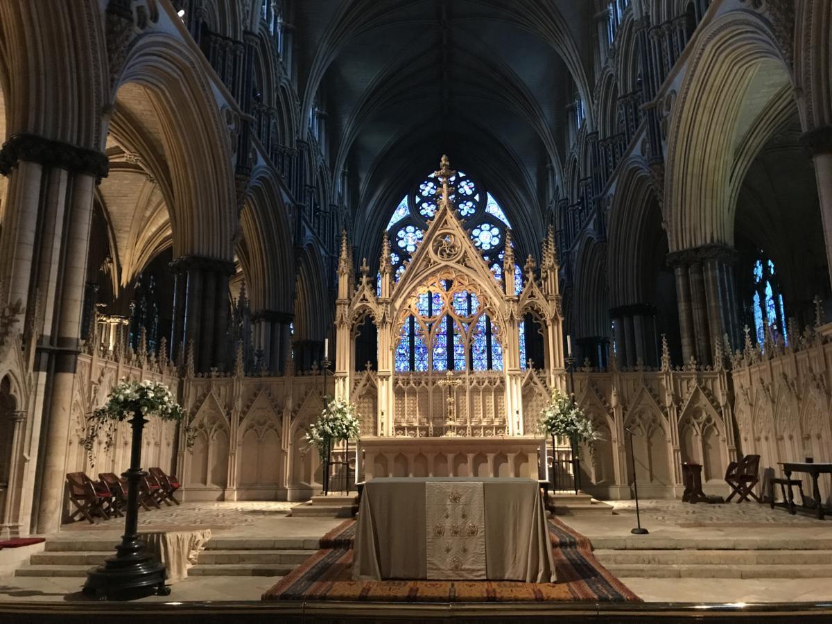 ołtarz główny anglikańskiej katedry w Lincoln