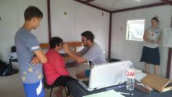 Optometryści podczas badań