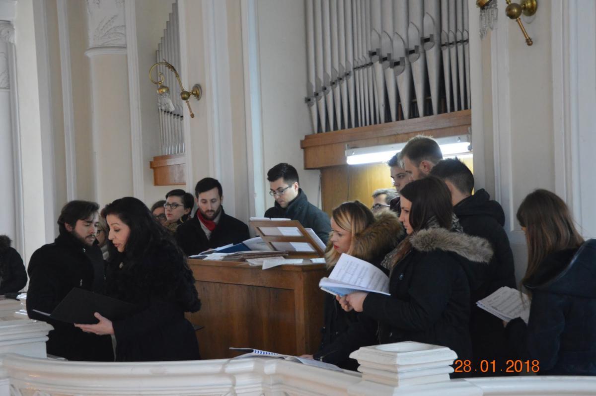 Chór Młodzieżowy Kościoła Starokatolickiego Mariawitów pod dyrekcją Aleksandra Słojewskiego