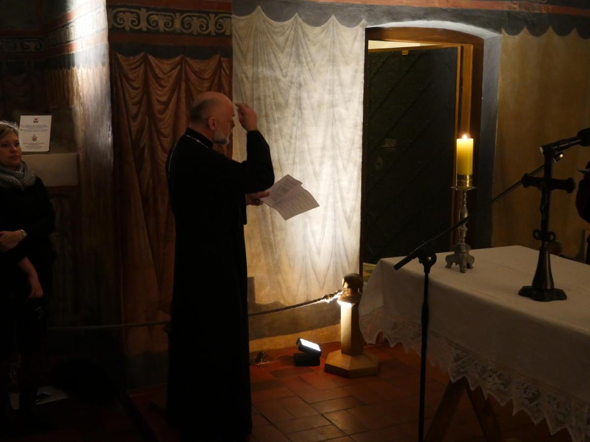 ektenia śpiewana przez prawosławnego kapłana
