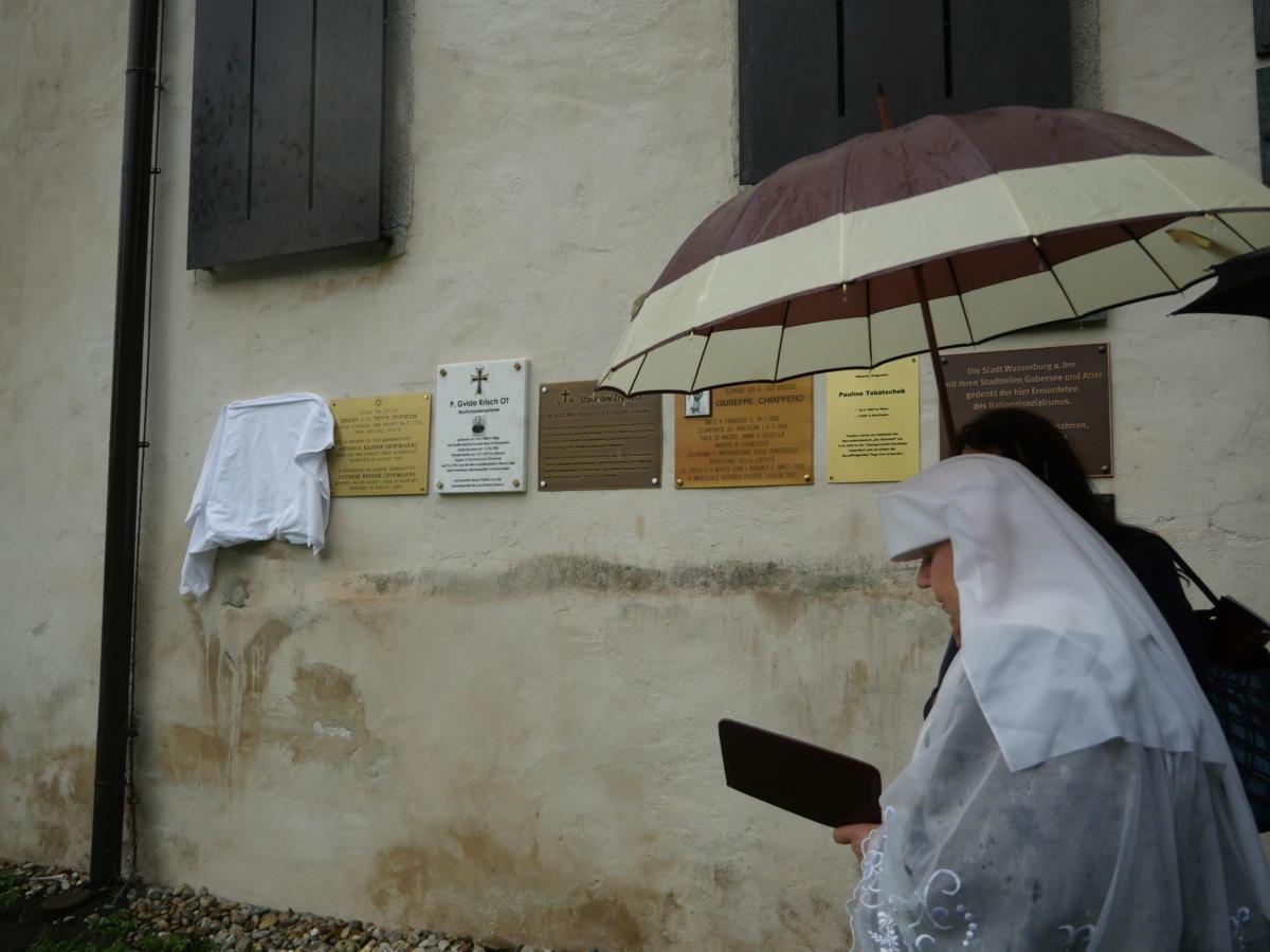 odsłonięcie tablicy upamiętniajacej abp. M. Michała Kowalskiego