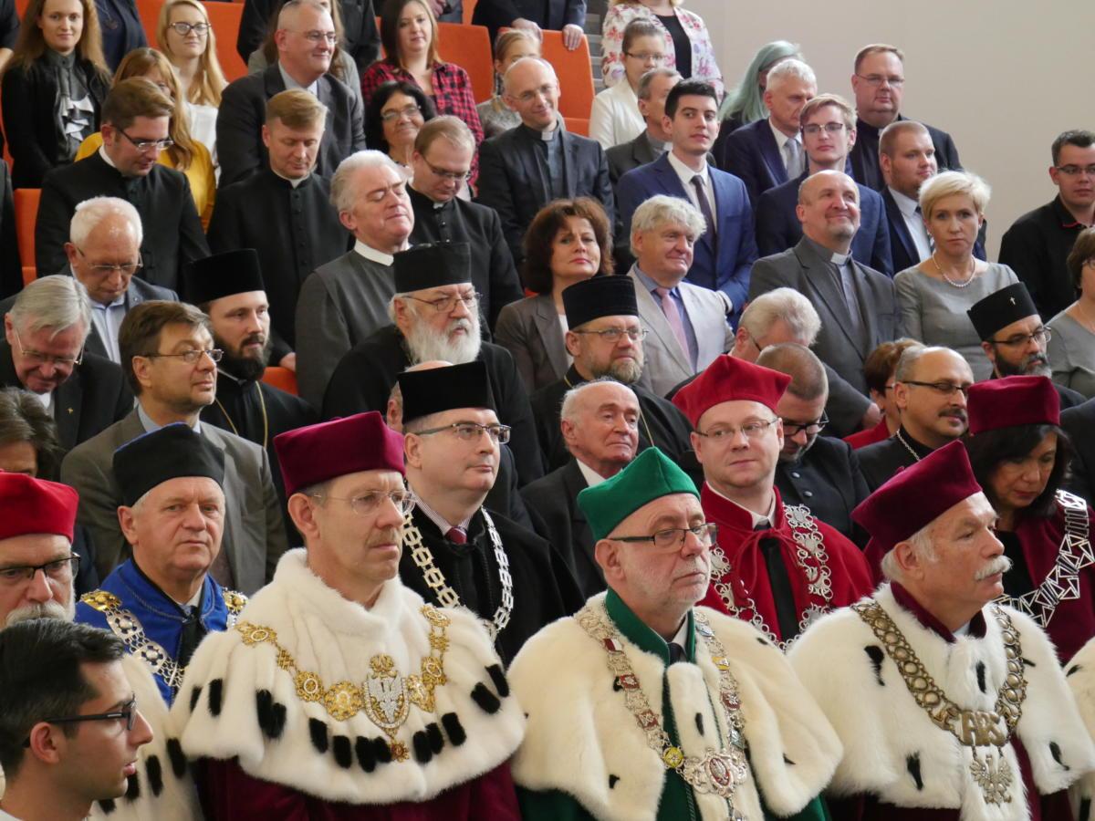 uczestnicy uroczystości
