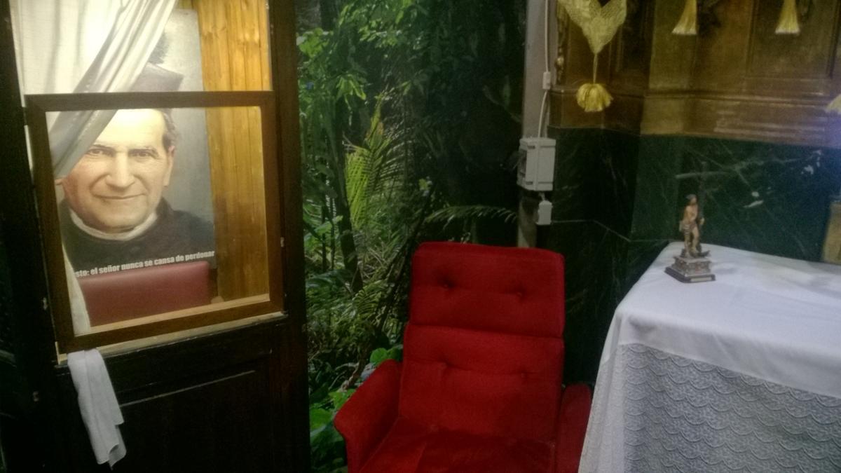 Konfesjonał w madryckim kościele św. Antoniego, fot. prywatna.