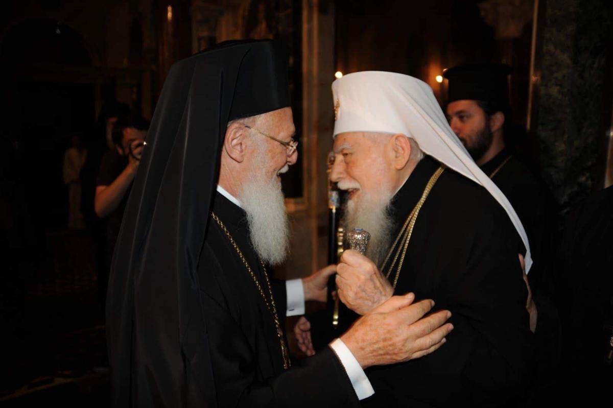 patriarcha ekumeniczny Konstantynopola Bartłomiej i patriarcha Bułgarskiej Cerkwi Prawosławnej Maksym