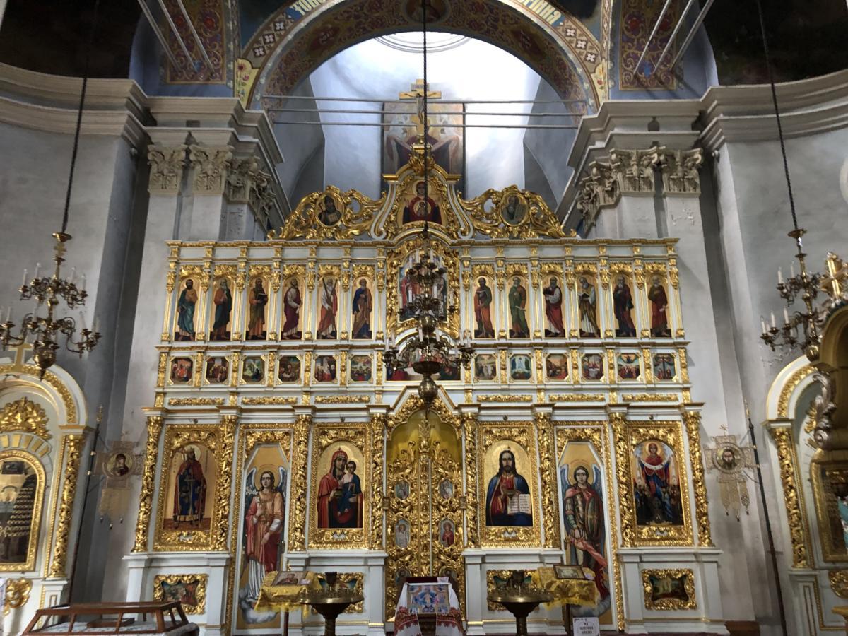 ikonostas w cerkwi w Kijowie (CPU)