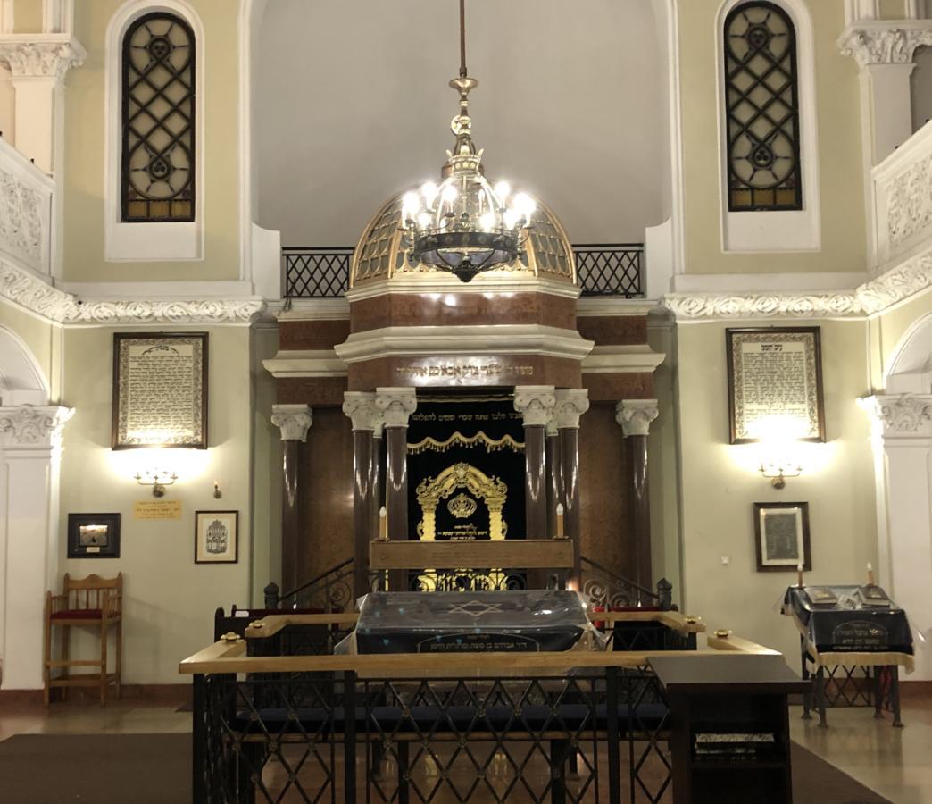 Wnętrze Synagogi Nożyków w Warszawie
