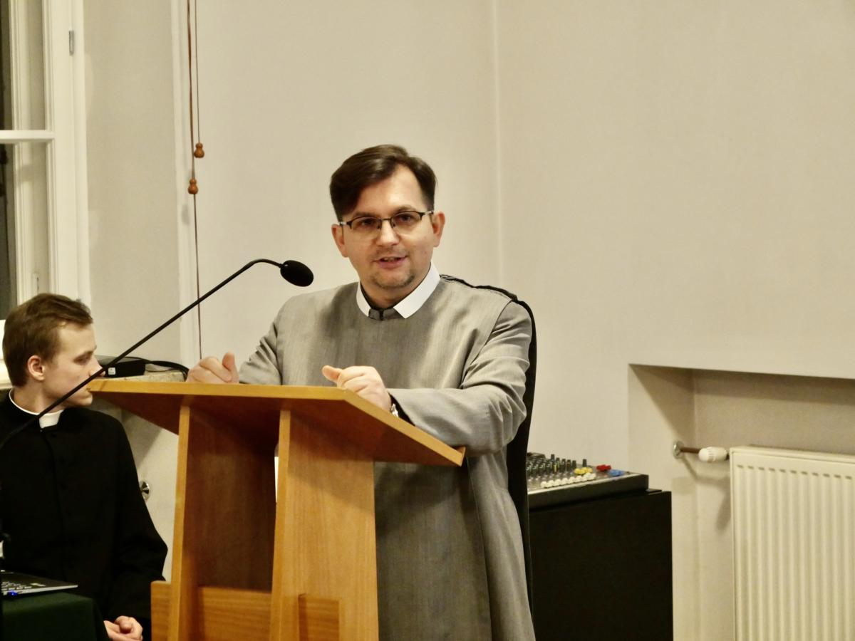 kapł. dr Tomasz M. Daniel Mames (Paryż)