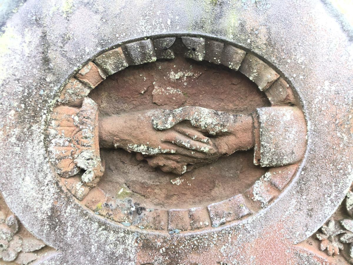 nagrobek na cmentarzu przy anglikańskim kościele Marii Panny w Letchworth