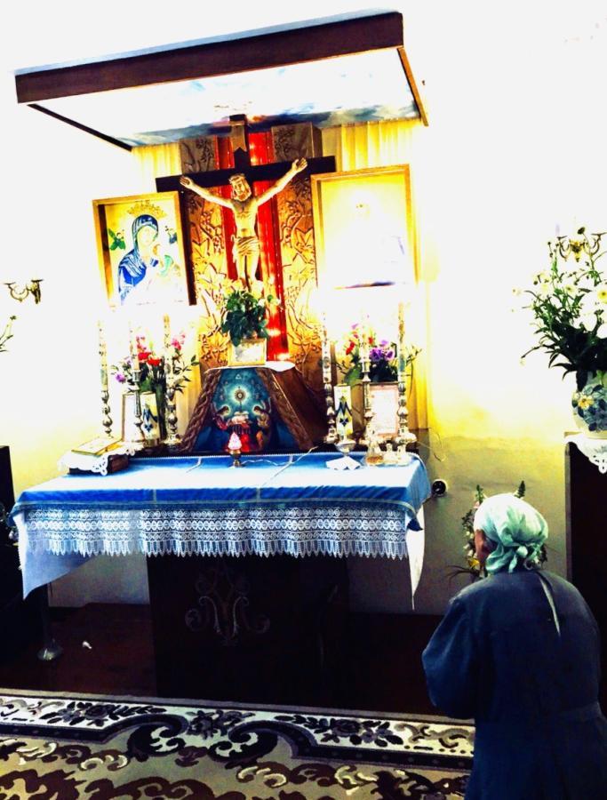s. M. Alma modli się w kaplicy w Grzmiącej