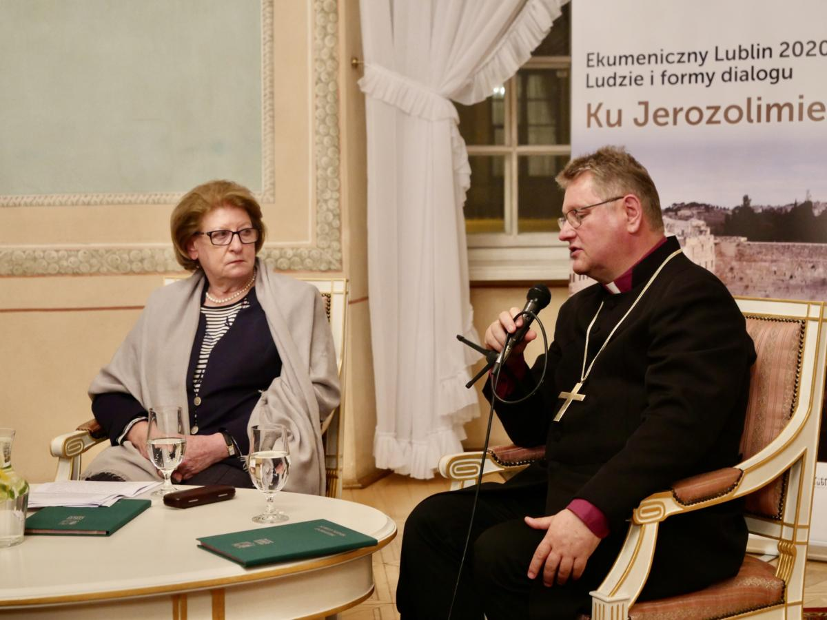 prof. Hanna Suchocka i bp Jerzy Samiec
